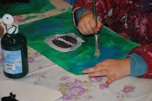 """Vi maler """"Rødt hus og grantrær""""."""
