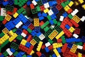 """Lego er """"Antall rom og form""""."""